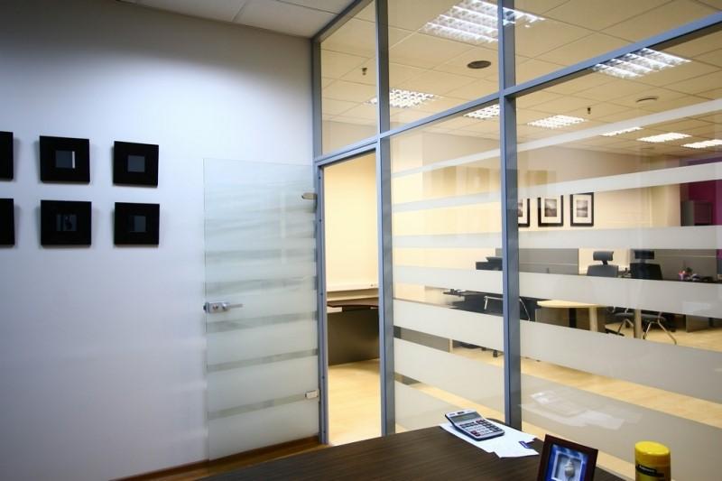 купить стеклянную перегородку для офиса